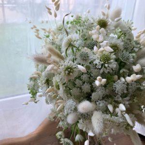 可憐な小花のbouquet
